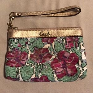 Small EXCELLENT condition wristlet